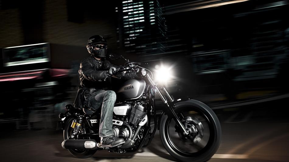 2014-Yamaha-XV950R-EU-Matt-Grey-Action-004